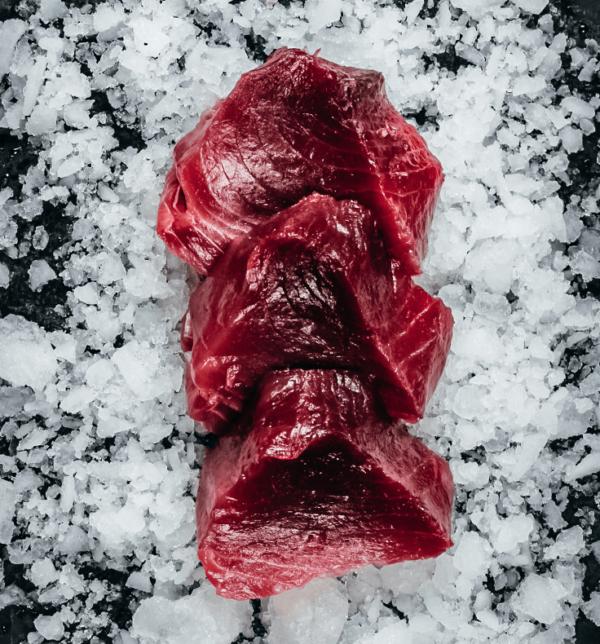 Yellow-fin tuna (loin cut) fresh